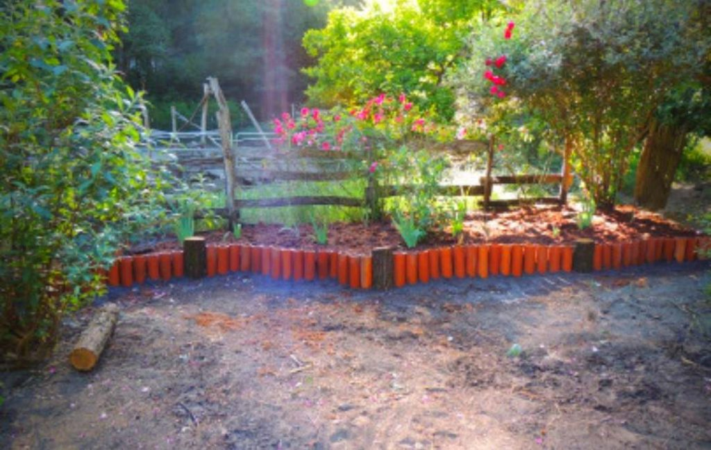 TERRACOTTA PIPE BED EDGING